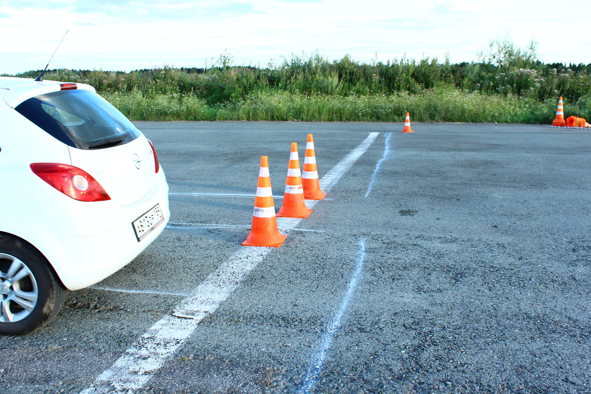 уроки вождения в петрозаводске габариты машины