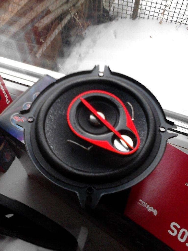 pioner ts r1350s - Хрипят динамики в машине что делать